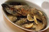 Wat om in te zetten bij het bakken van vis te absorberen de geur