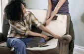Hoe te repareren van bank kussens moeten vullen