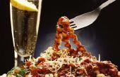 Hoe te kleden voor een informeel Italiaans diner