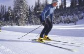 Weerstand Band oefeningen ter versterking van de dijen voor skiën
