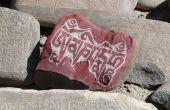 Hoe te schrijven op een steen en hangen aan een muur
