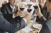 Hoe te kleden voor een zakelijk diner met mijn echtgenoot