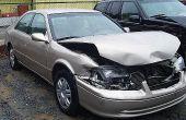 Hoe om te onderhandelen over de waarde van een getotaliseerd auto met uw Auto Insurance Company