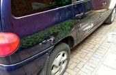 Het toepassen van de Touch-Up verf voor auto krassen
