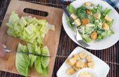 Hoe te hakken Romaine sla voor een Caesar salade