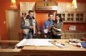 Het remodelleren van een oude keuken met gips wanden