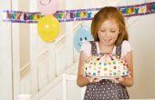 De giften van de verjaardag voor negen-jaar-oude meisjes
