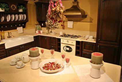 Hoe te schilderen van goedkope keukenkasten wikisailor