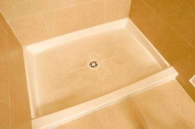 Afvoer Douche Herstellen : Afvoer installatie & verwijdering op een glasvezel douche