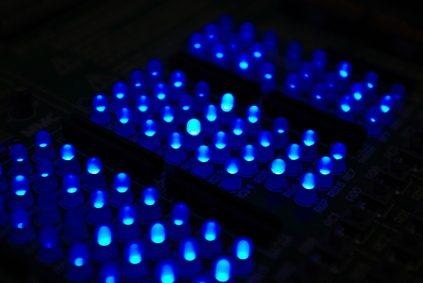 Het installeren van LED verlichting op een vrachtwagen - wikisailor.com