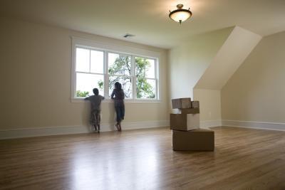 Welke kleur verf ik mijn woonkamer plafond zodat het uiterlijk van ...