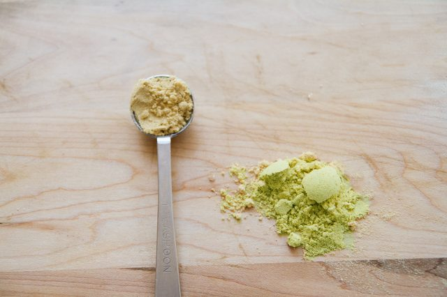 hoe wordt mosterd gemaakt