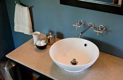 Badkamer Wastafel Afvoer : Wat gebruik je om de overloop in een badkamer wastafel schoon te
